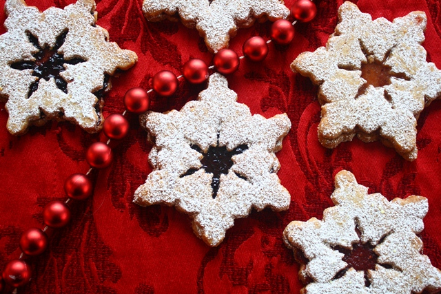 Linzer sables, a Christmas jewel of a cookie | The Go Lightly Gourmet