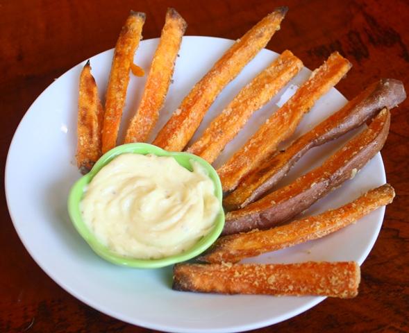 Crispy oven baked sweet potato fries.