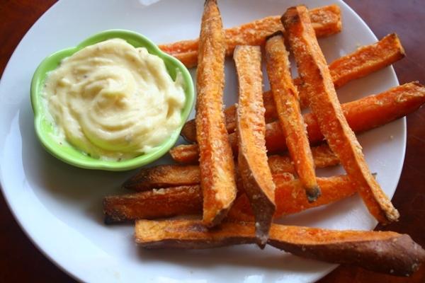 Crispy oven baked sweet potato fries