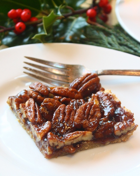 these gluten free pecan bars will win over Santa